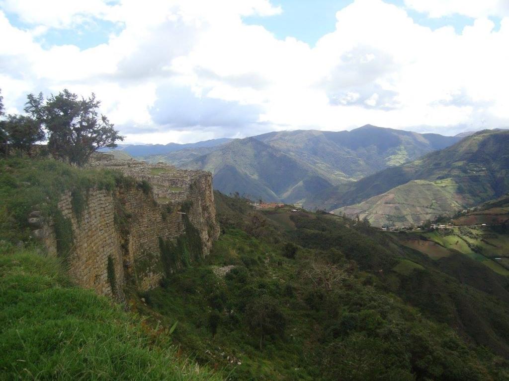 Muralla Kuélap Perú